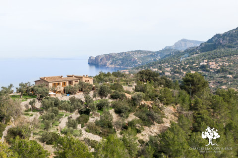A character filled semi-detached home overlooking the sea and mountains in Deia