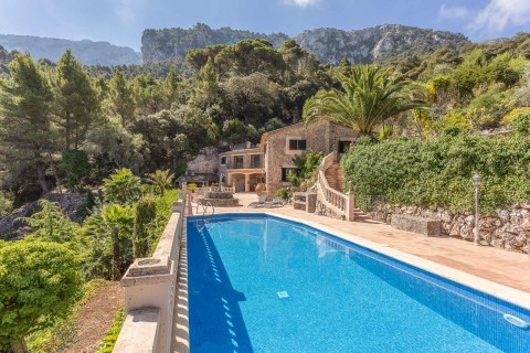 Beautiful stone finca with stunning sea views